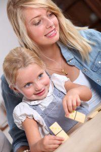 Stimmt die Chemie zwischen Kind und Aufpasser, ist Babysitting ein sehr angenehmer Job.