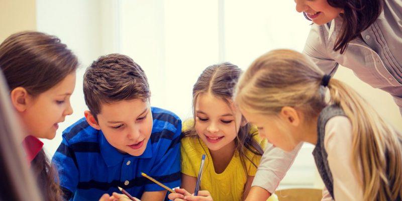Mehrere Nachhilfeschüler auf einmal findet man hauptsächlich Institute.