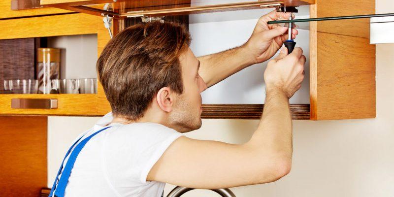 Mit kleineren Reparaturen können sich handwerklich Geschickte etwas dazuverdienen.